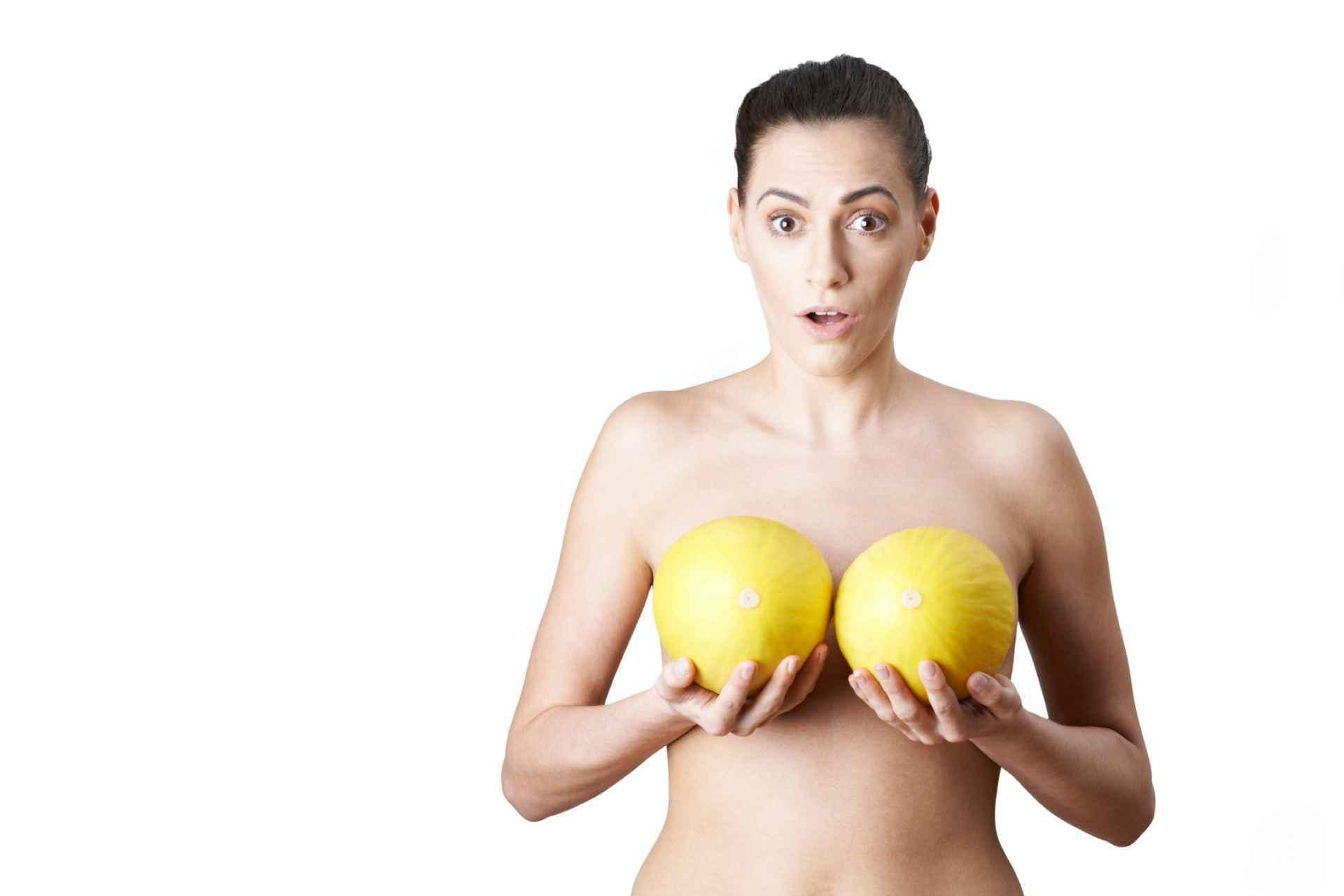 Le danger de ... seins? SDC.com