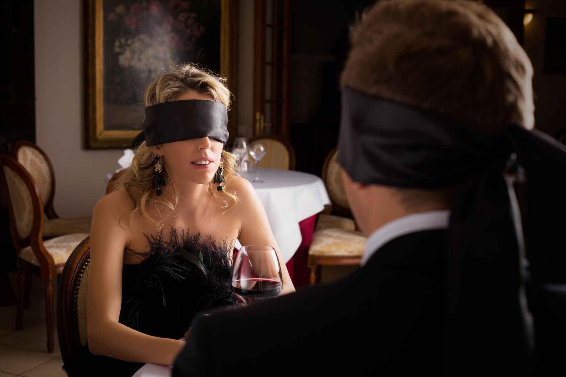 Pimp je seksleven met een blinddoek SDC.com