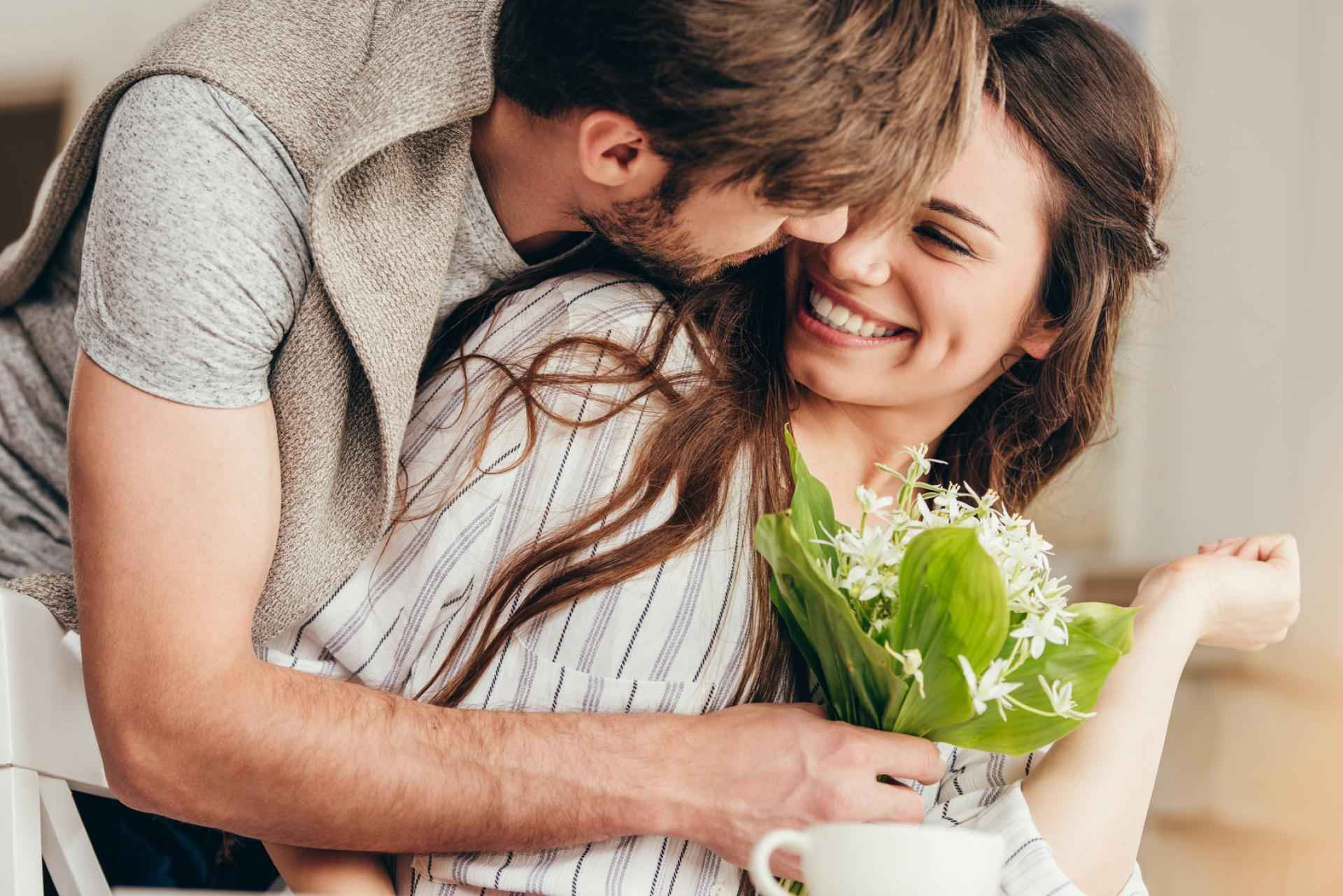 60 Seconds To A Better Relationship: Favors