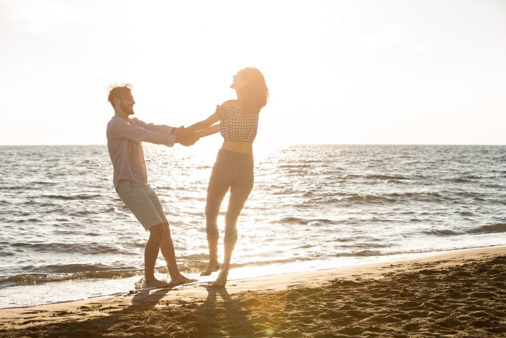 Moet je altijd super verliefd en gelukkig zijn in je relatie?